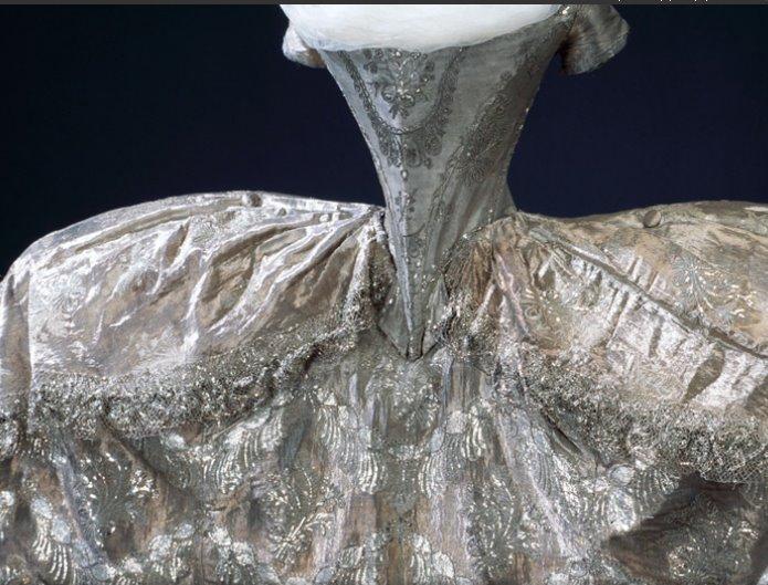 1774 wedding dress of hedwig elizabeth charlotte holstein for Marie antoinette wedding dress