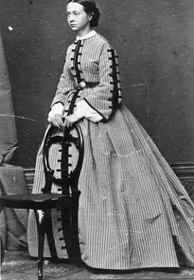 1864 Princess Ekaterina of Oldenburg standing APFxSvetabel 21Jun10