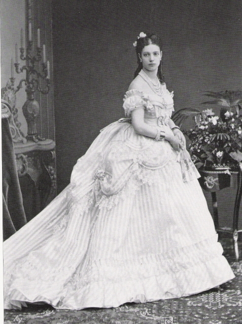 1866 Dagmar just after her marriage
