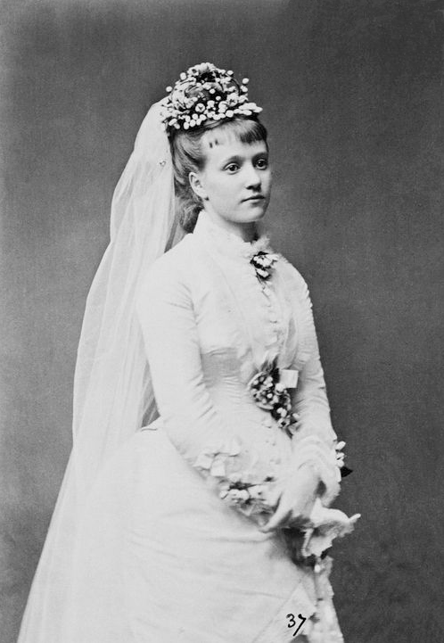 1873 Princess Maria Immacolata Luisa as a bride From Pinterest search deflaw background removed monocolor tint and increased contrast