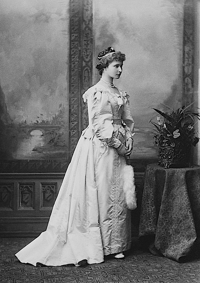 1887 Alexandra holding a fan APFxGrand Princess Shandroise 5Jun12