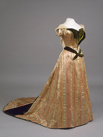 1890s Maria Feodorovna evening dress Satin, silk, velvet and metal thread by  Worth (Hermitage)