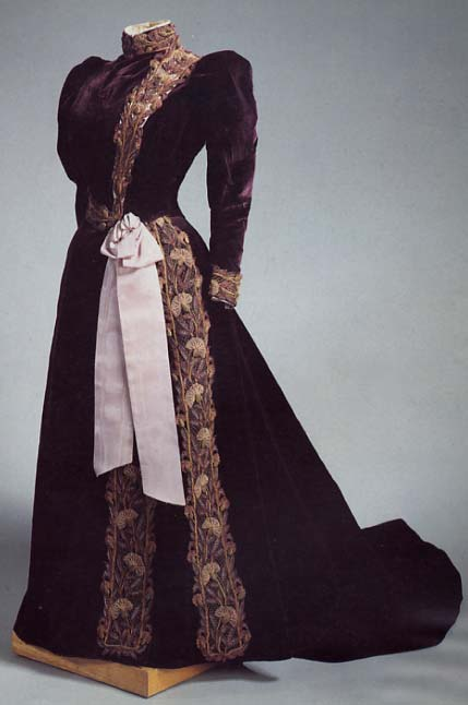 1890s Marie Feodorovna dress Velvet, silk and metal thread, moire ribbon;  embroidered by Worth (Hermitage)