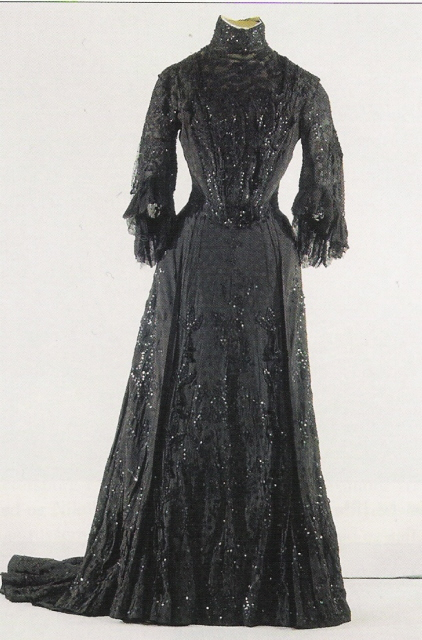 1894 ca. Maria Feodorovna evening dress APFxkmerov 8Nov09