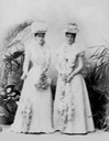 1898 Empress Alexandra Feodorovna with her sister Grand Duchess Elizaveta Feodorovna looking toward camera Tatiana Z