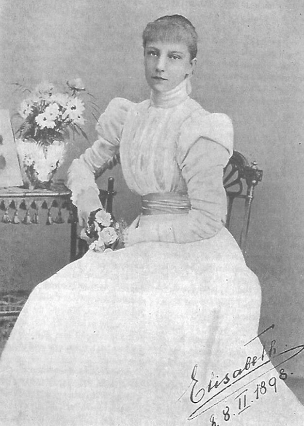 1898 Erzsi in white   Grand Ladies   gogm
