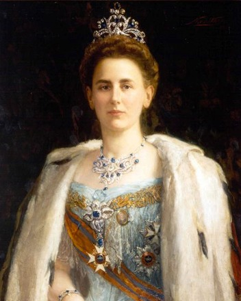 1898 Queen Wilhelmina wearing Art Nouveau jewelry