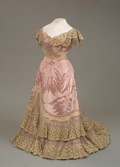 1898 Worth pink and gold dress for Maria Feodorovna Moire with a woven silk pattern, chiffon and lace Hermitage