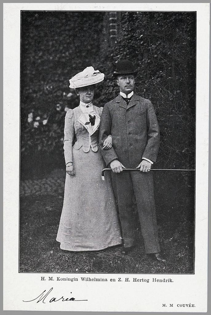1900 Wilhelmia and Hendrik businesslike engagement picture