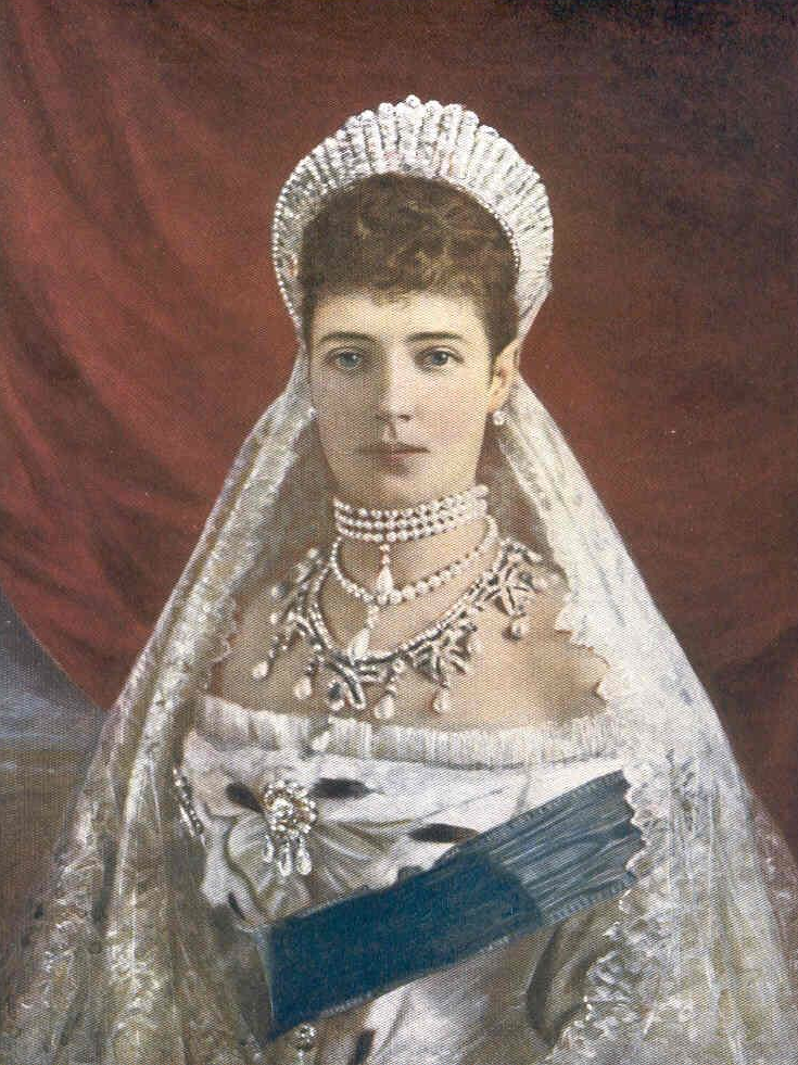 This is another version of maria feodorovna dressed as she was in the