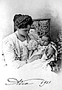 1901 Alexandra with daughter Anastasia