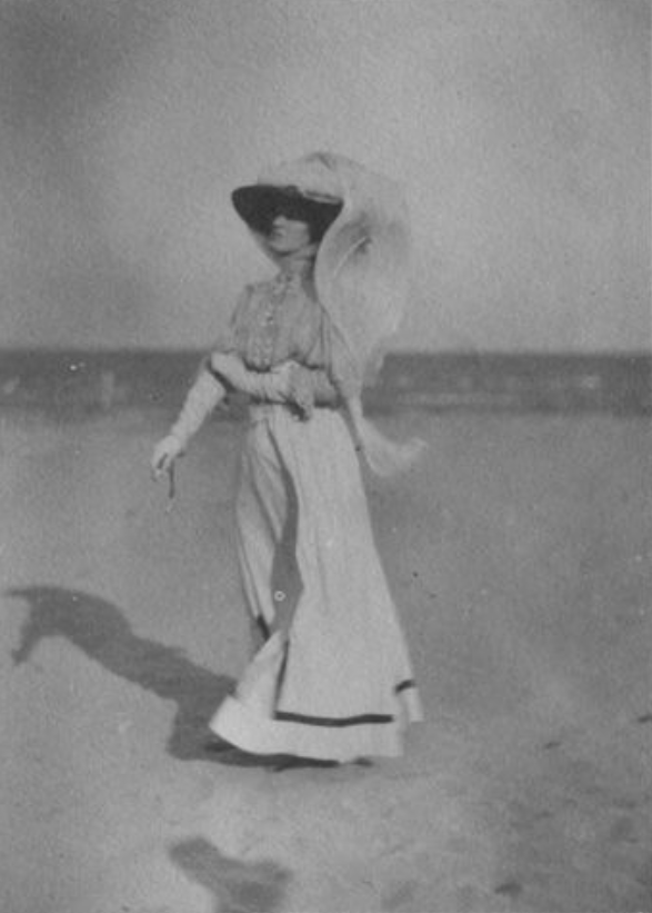 1902 (?) Italy honeymoon photo (?) of Lady Ottoline Morrell From pinterest.com:saucykipper1:bloomsbury: detint