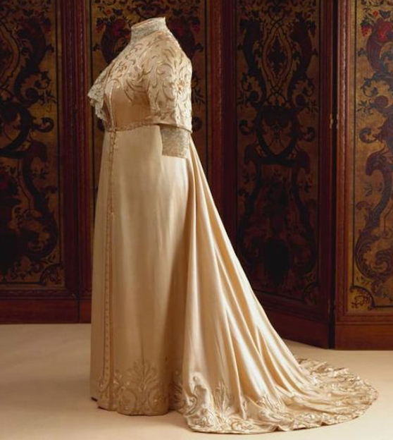 1905-1910 Afternoon dress of Wilhelmina, Queen of the Netherlands From pinterest.com:lvjames2009:royal-clothing:
