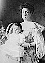 1907 Ducky and Maria Kirillovna close up