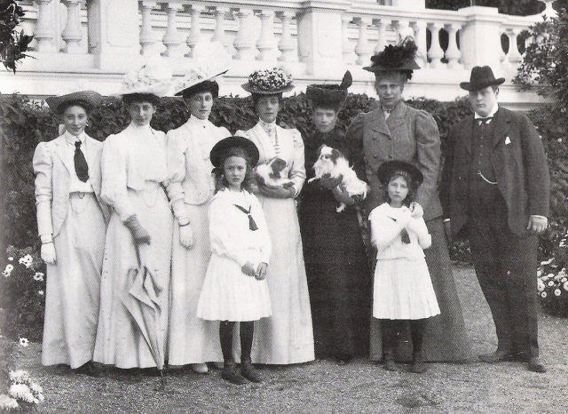 1908 Queen Lovisa with children visiting Dagmar and Alexandra at Hvidøre Denmark
