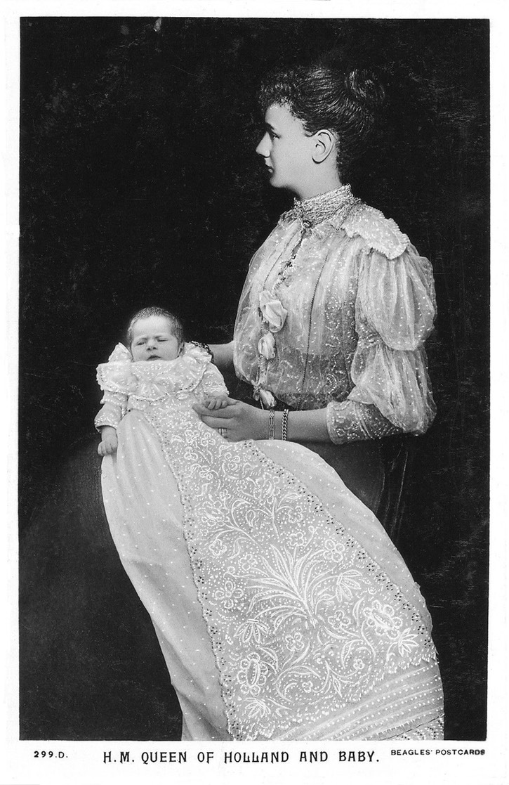1909 (based on age of child) Juliana in christening robe and Queen Wilhelmina eBay despot fixed edges detint