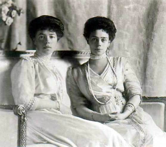 1910 Grand Princesses Xenia and Olga