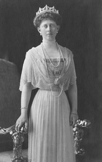 1910s Princess Margaret of Prussia From crownstiarasandcoronets.blogspot.com:2016:06:princess-margaret-of-prussia.html X 2 despot detint