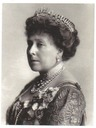1911 Beatrice wearing sun ray and Greek key tiara in profile
