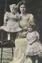 1913 Alice, Margaretha, and Theodora