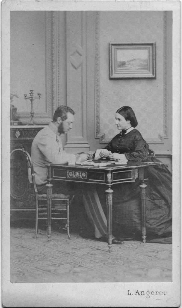 Clotilde and Joseph Coburg detint APFxsynnadene 19May09 2