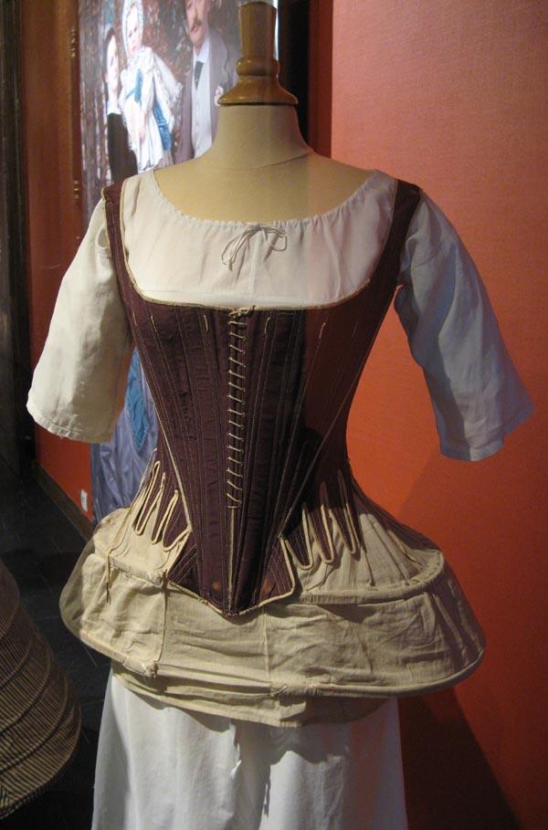 Corps de couleur violette 2nde moiti du xviii me s 28 - Porter un corset tous les jours ...