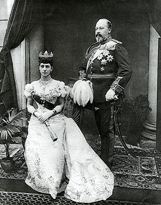 Edward_VII_and_Alexandra_after_Gunn_&_Stuart