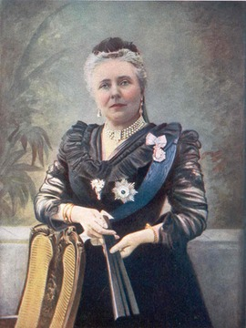 1900 Dowager Empress Victoria wearing a dark dress