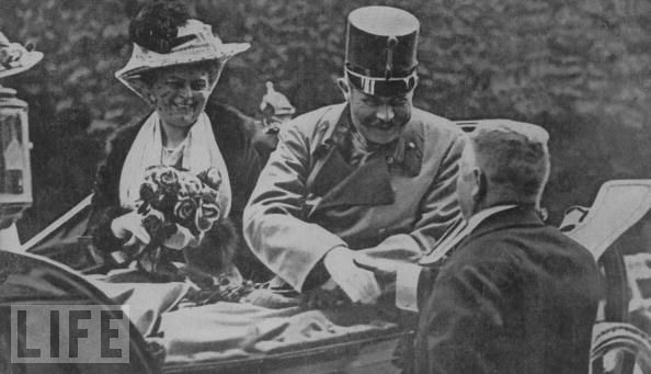 1914 Franz Ferdinand and Sophie just before assassination