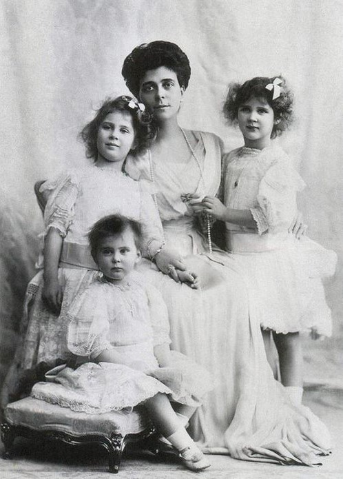 ca. 1910 (estimate based on ages of children) Grand Duchess Elena Vladimirovna with daughters Princesses Olga, Elizabeth, and Marina tumblr m64q8ritvR1rqdmblo1 500