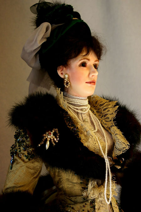 Lady Randolph Churchill From Lady Finavon Figurines Detail