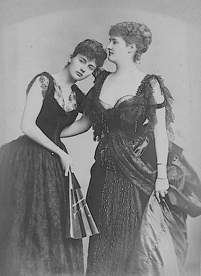 Lady Helen Vincent,Viscountess d'Abernon with her sister Hermione, Duchess of Leinster From pinterest.com:nosigc:photography-vintage
