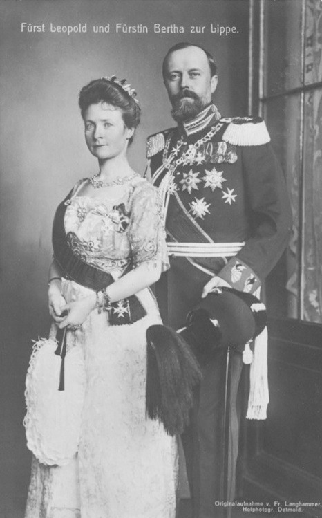 Leopold IV, Prince of Lippe with his first wife Princess Bertha of Hesse-Philippsthal-Barchfeld From www.pinterest.com:Pagkaste:my-pins detint