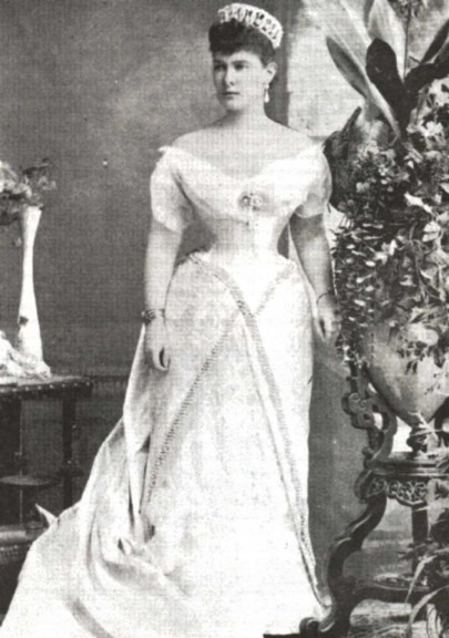 Maria Pavlovna wearing a skirt with off-center panels