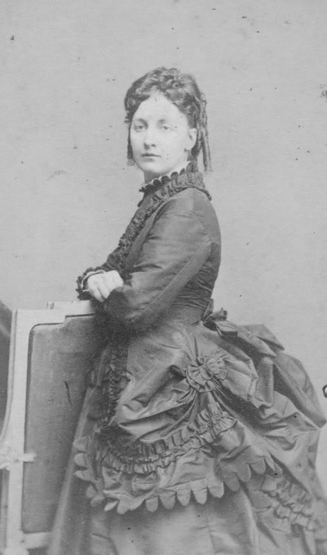 odezhda-dlya-transvestitov-viktorianskiy-stil