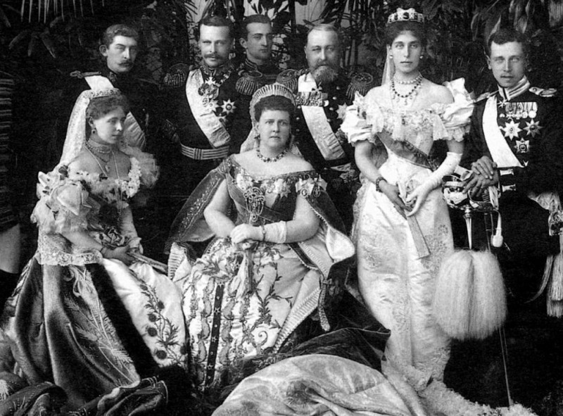 Matrimonio Romanov : Maria alexandrovna and her daughters marie r
