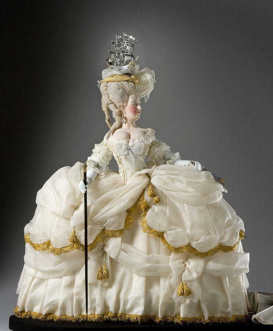 Marie Antoinette in court dress by George Stuart (Museum of Ventura ...
