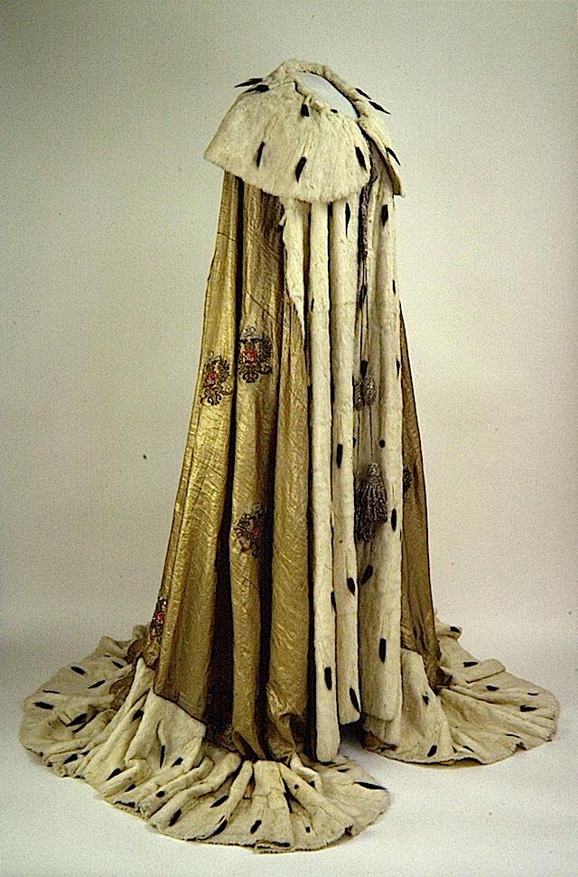 Marie Feodorovna's coronation robe