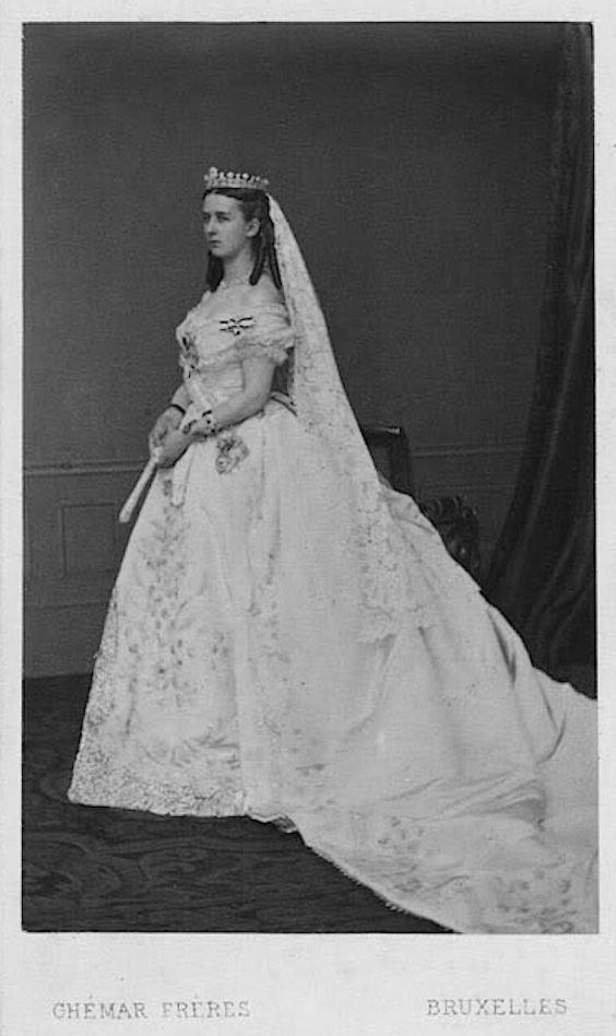Marie Hohenzollern - 1867 Countess of Flanders wedding dress FDxMinnie 5Nov11 detint X1.5