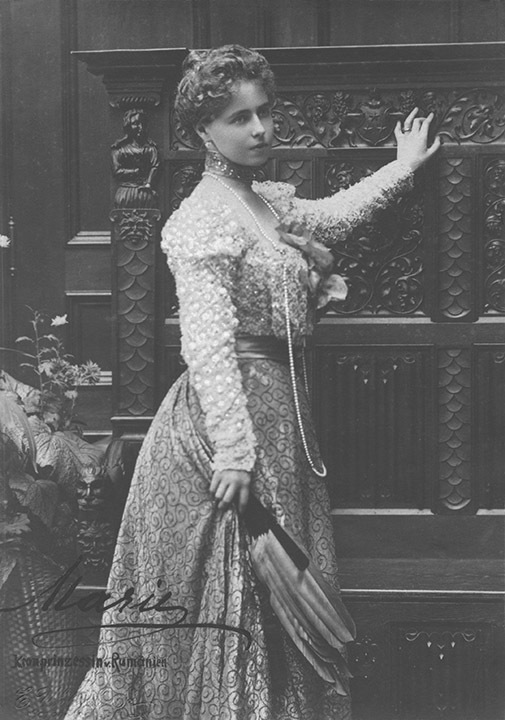 Missy wearing a turn-of-the-century dress