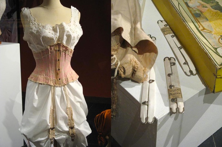 Morning corset of embroidered silk with lace trim and ribbons from slit to slit - 26 bones. Worn over day blouse and pantaloons. Also metal busks From www.histoire-costume.fr:lexposition-le-corset-ou-lelegance-contrainte