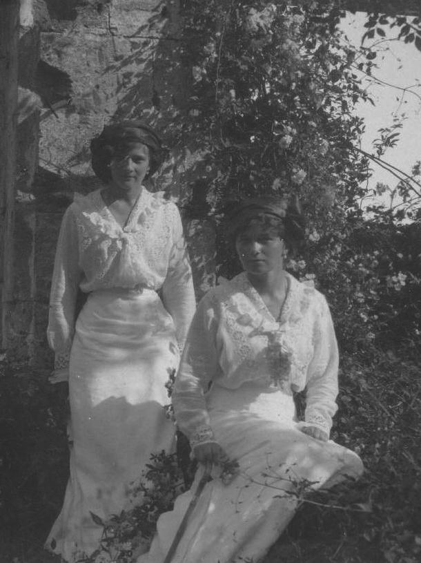 Possibly Olga And Possibly Tatiana Wearing Warm Weather