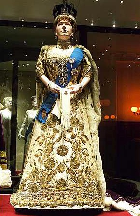 Queen Mary\u0027s coronation gown Posted on the Alexander Palace Time Machine  Discussion Forum by boffer on