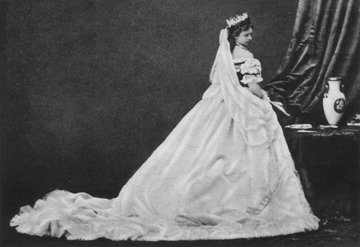 Another photo of Elisabeth in Hungarian court dress