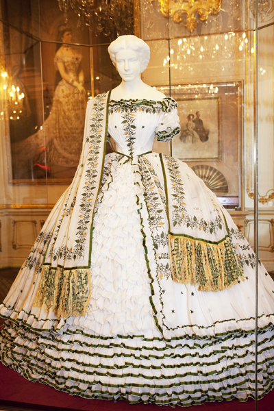 Sissi dress from Sisi Museum site