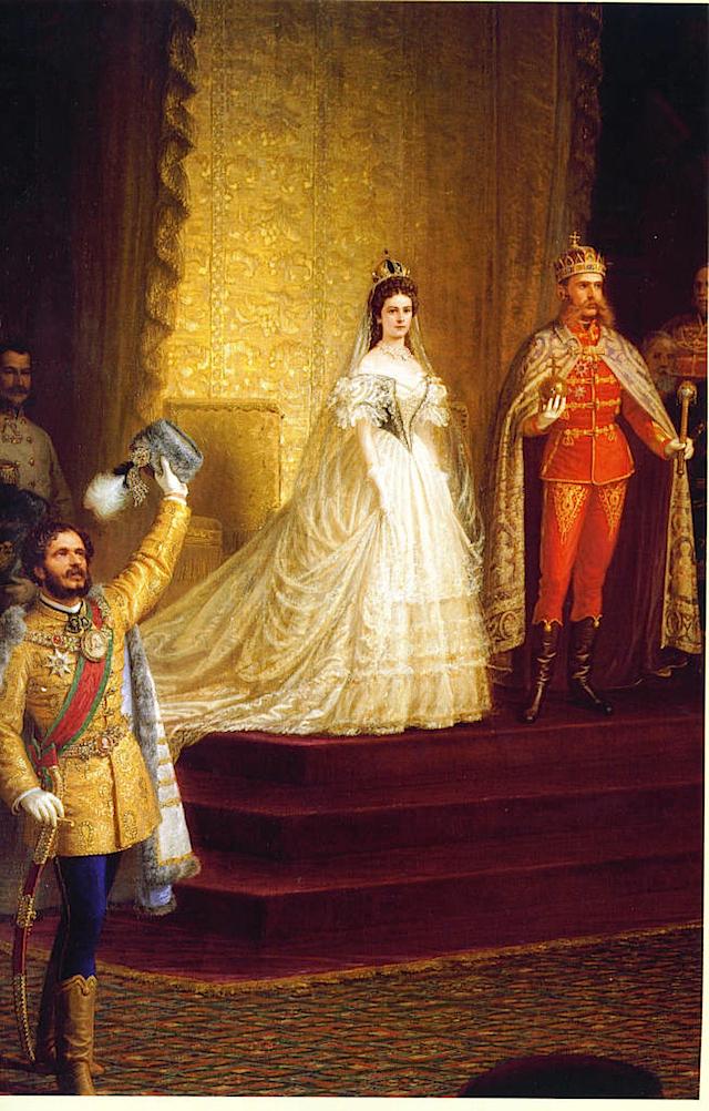 Carosse du mariage Imperial de François Joseph et Élisabeth de Bavière Sissi_hungarian_coronatio-2