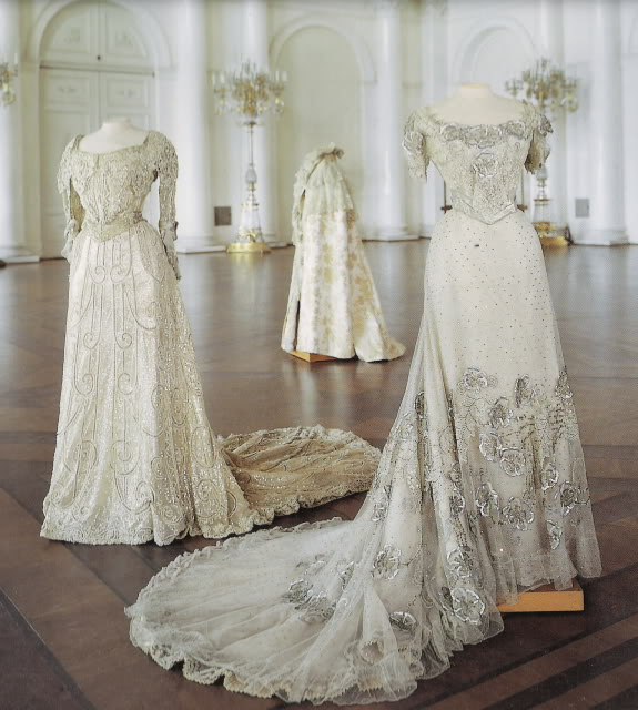 Three evening dresses probably worn by Empress Maria Feodorovna APFxkmerov 29Nov09